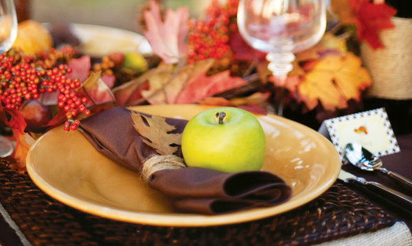 Thanksgiving table setting rustic