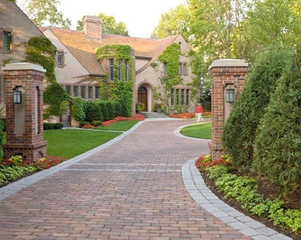 Three Reasons You Should Get An Interlock Driveway Over